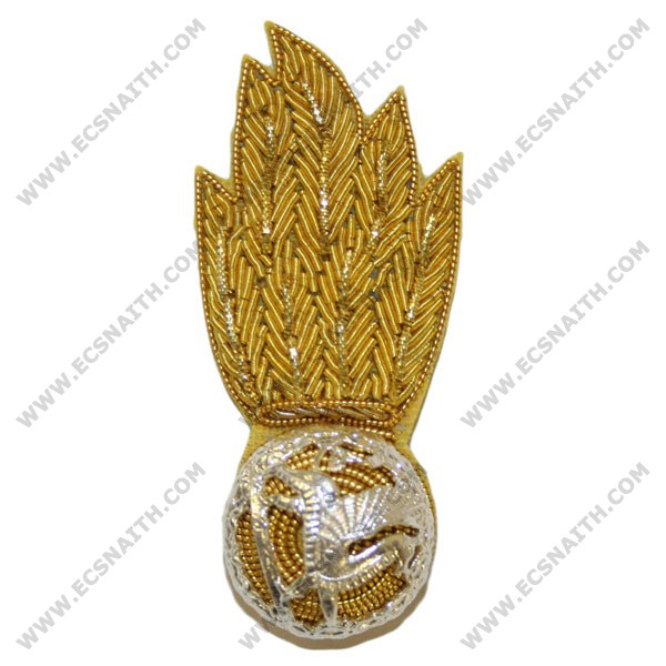 Royal Welsh Regiment No 1. & Mess Collar Badge