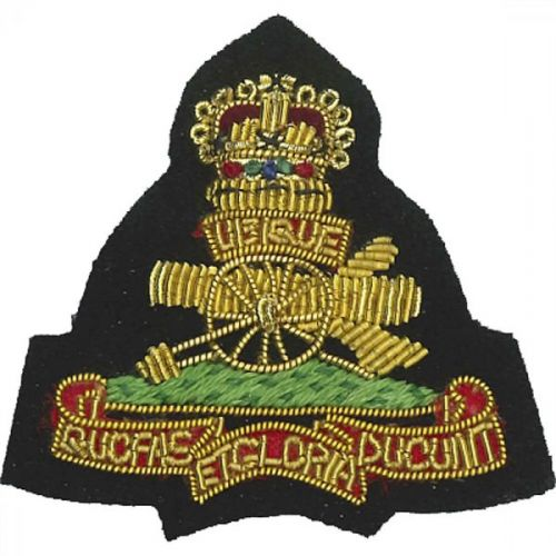 Royal Artillery Beret Badge, Officers, on Grass Green