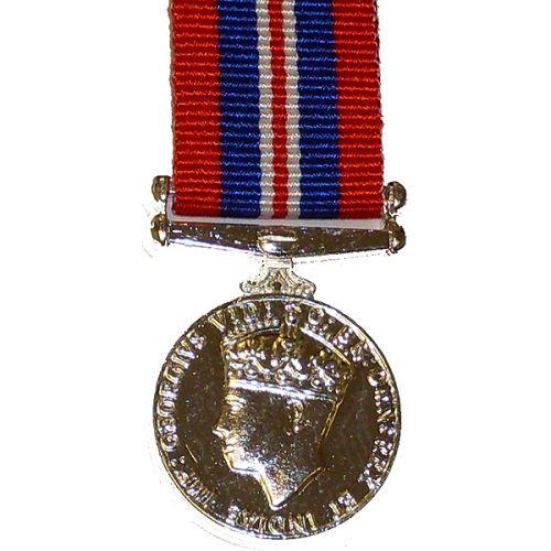 1939 to 1945 War Medal, Medal (Miniature)