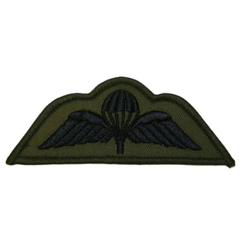PARA Wings Black on Green